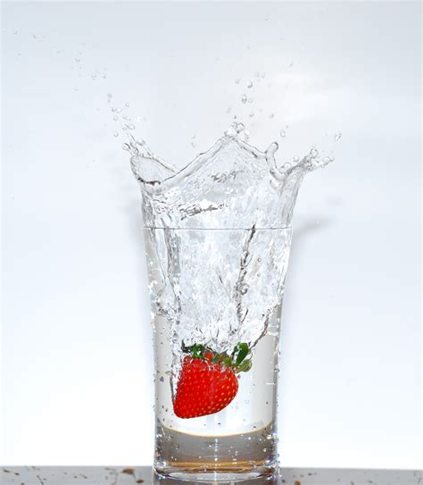 Splash It by File Strawberry Splash Jpg Wikimedia Commons
