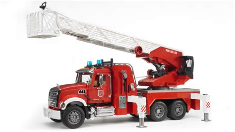 bruder fire truck mack granite fire engine with water pump and light sound