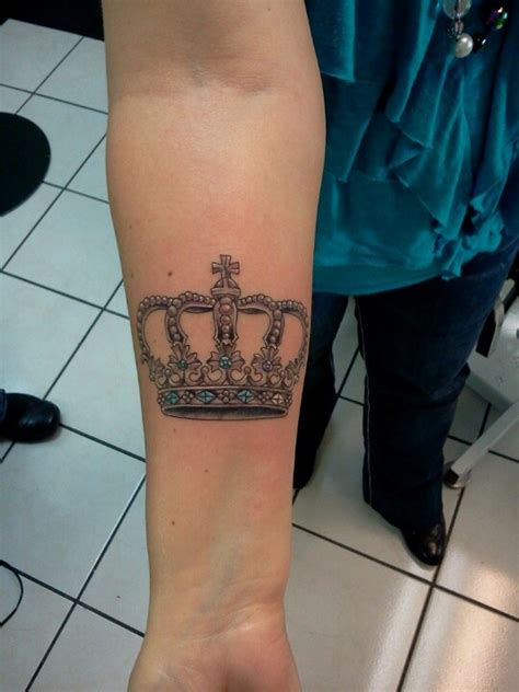 tattoo that represents queen 77 best crown tattoo images on pinterest crown tattoo