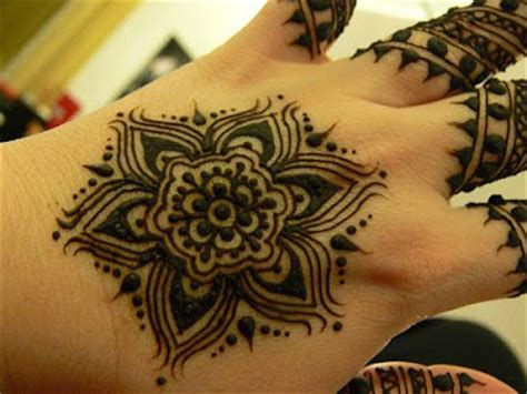pakistan cricket player simple arabic henna design pakistan cricket player henna flower designs