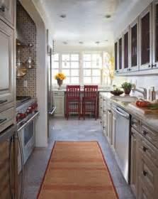 kitchen layout ideas galley cocinas largas y estrechas aprovechar el espacio pasi 243 n