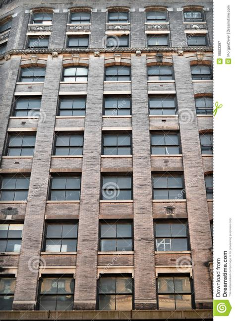 new york apartment window untitled appartement windows de new york city photographie stock