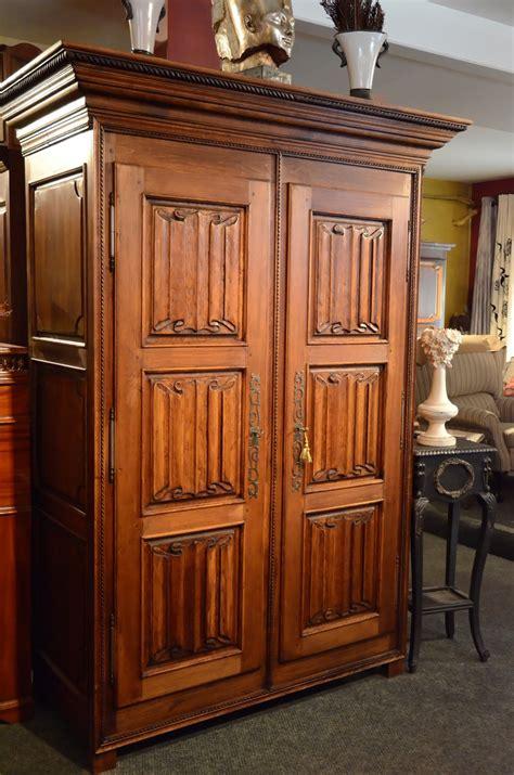 belle armoire cuisine armoires meubles des patriotes armoire bois massif porte coulissante armoire