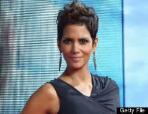 Halle Upset With Mag For Dredging Up Story by Halle Berry S Ex And Fiance Fight On Thanksgiving