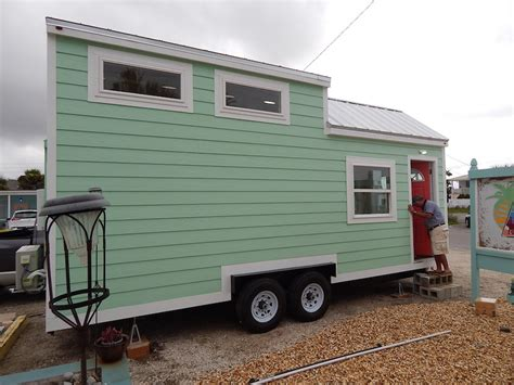 Beach Cottage Tiny House Swoon Signatour Tiny Houses