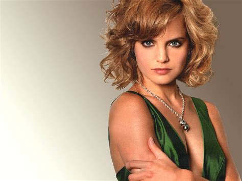 Mena Suvari Pictures by Mena Suvari Wallpapers 100481 Popular Mena Suvari
