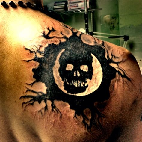 gears of war tattoo designs my new gears of war tats ideas