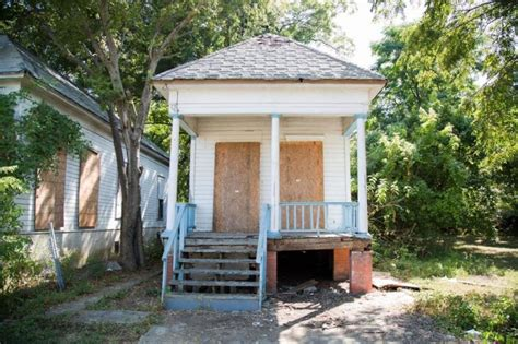 chip and joanna house chip and joanna gaines give this tiny waco home an amazing