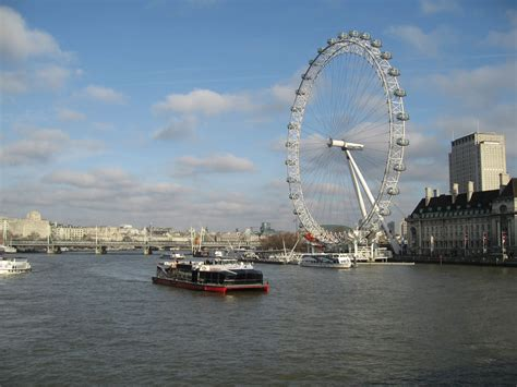 thames river vs river thames river thames london winter water temperature youtube