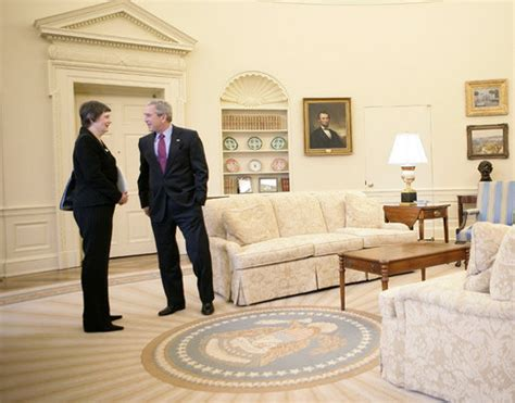 Oval Office Decor History by File Clark And Bush In The Oval Office Jpg Wikimedia Commons