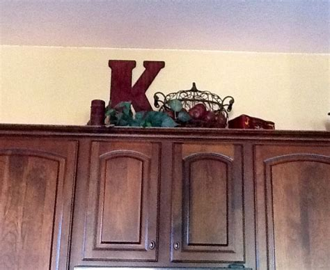decorating above cabinets 21 best images about kitchen cabinets above on pinterest