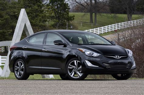 2014 hyundai elantra review photo gallery autoblog