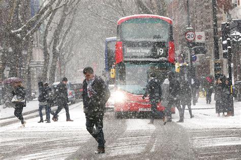 Kensington Garden Red Weather Warning Uk On Snow Alert As Met Office Issues