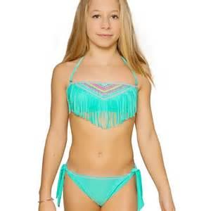joli fille en maillot de bain les enfants vont 234 tre ravis et les mamans aussi d 233 couvrez