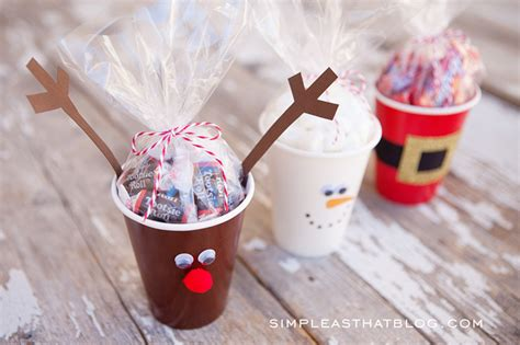simple craft for christamas celebrationo simple treat cups