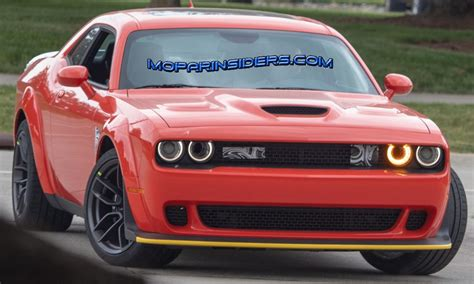spied  dodge challenger srt hellcat widebody   spoiler mopar insiders