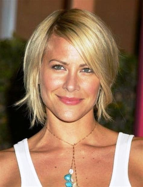 haircuts for med hair 40 best haircuts for women over 40