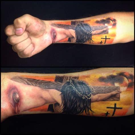 tattoo jesus unterarm tattoo 4d hecho por mi en opio studio tatuajes