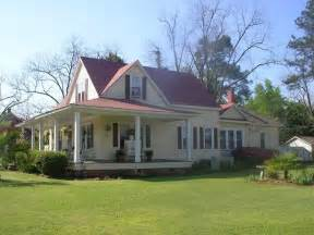oldhouses com 1900 victorian farmhouse style southern victorian farmhouse style mexzhouse com