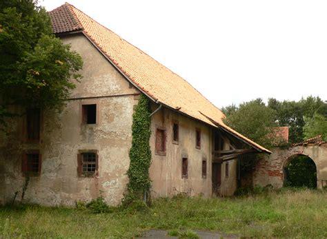 schloss atzelsberg scheune file schloss wrisbergholzen scheune jpg wikimedia commons