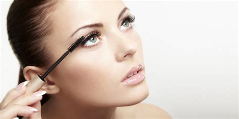 7 Of Applying Mascara The Right Way by Do These Things To Enhance Your Khoobsurati
