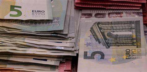 intesa san paolo conto conto corrente intesa sanpaolo e hello money a confronto
