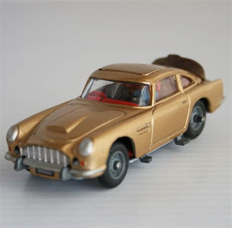 bond aston martin corgi toys 60 s aston martin db5 from 007 bond