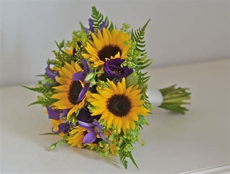 Wedding Bouquets Using Sunflowers by 25 Best Ideas About Sunflower Corsage On