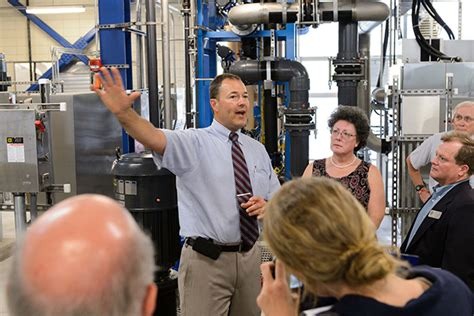 Uconn Mba Program Director by Uconn Officials Celebrate Opening Of Water