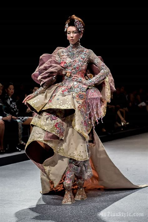 Look Kimono Dresses Couture In The City Fashion by Guo Pei Fashion Show In Singapore Be Completely Wowed