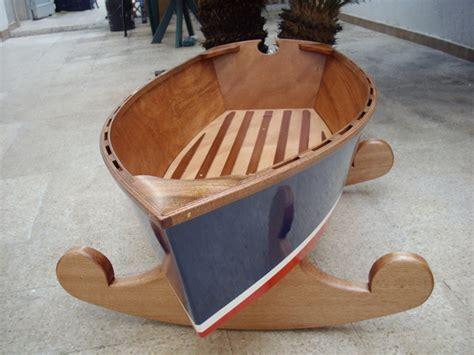 come costruire una culla a dondolo le culle barca di giacinto elefante il primo rifugio per