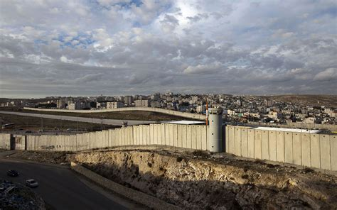 the wall and the gate israel palestine and the battle for human rights books invisible the walls dividing the world