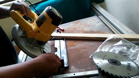 Gergaji Mesin Belah jual mesin gergaji sirkel dewalt d23620 circular saw