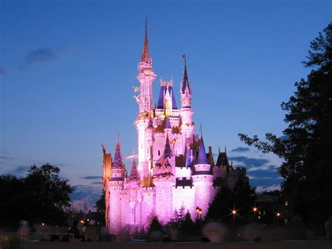 Free Disney Wallpapers Wallpaper Cave Free Disney Backgrounds