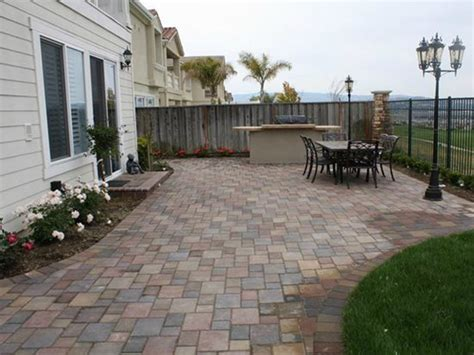 Paver Backyard by Concrete Paver Patios The Concrete Network