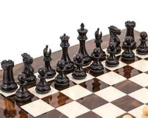 luxury chess set highclere ebony and walnut luxury chess set rcpb267 163 305 50 the regency chess company