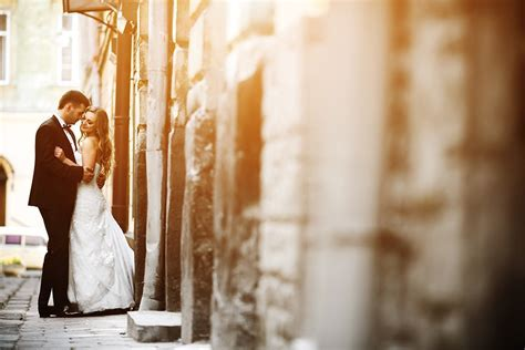 Best Places to Take Wedding Pictures in Metro Detroit