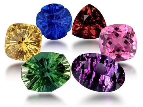 why are different colors why are gemstones different colors