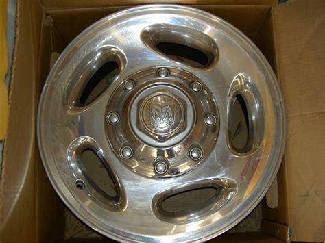 8 lug dodge ram 2500 wheels 2001 dodge ram 2500 stock 8 lug wheels with center caps