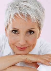 hair styles for faces of 64 year 25 best ideas about hairstyles over 50 on pinterest