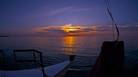 montauk catamaran company there s no sunset like a montauk sunset catamaran mon