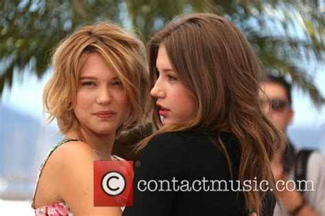 lea seydoux favorite music adele and lea from blue is the warmest color