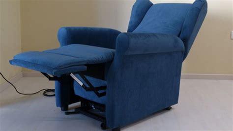 sedie elettriche per anziani acquistare una poltrona relax per disabili con le