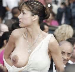 kaley cuoco nipple slip   celeb nipple slips   free porn