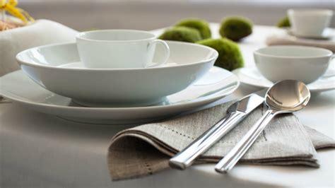 servizi da tavola moderni dalani piatti di design una tavola contemporanea e chic