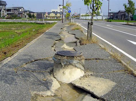 earthquake liquefaction file chuetsu earthquake earthquake liquefaction1 jpg