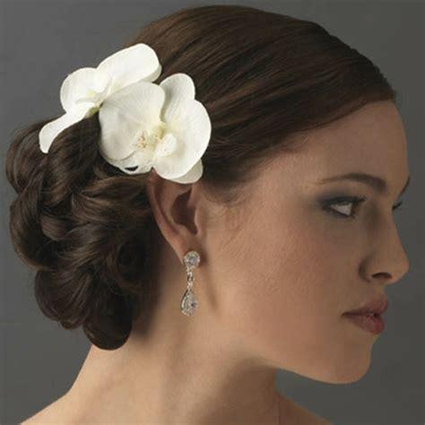 Wedding Hairstyles With Orchids by Brautfrisuren Mit Blumen Der Nat 252 Rliche Haarschmuck F 252 R
