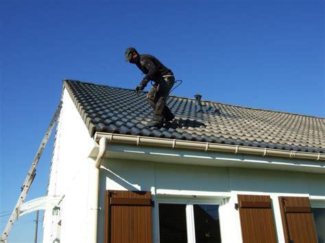 peinture tuile ciment toiture r 233 aliser r 233 alis 233 par renovation habitat 62