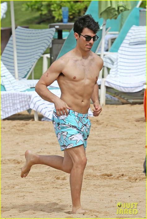 Jo In Frisbee joe jonas shirtless frisbee player in hawaii