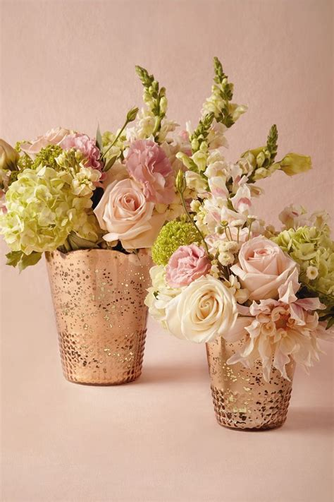 Flowers In Vases For Centerpieces by Best 25 Gold Vases Ideas On Gold Vase